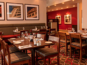 Four Points By Sheraton Winnipeg - Dining room