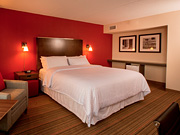 Four Points By Sheraton Winnipeg - Hotel guest room