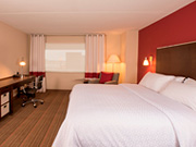 Four Points By Sheraton Winnipeg - King guest room