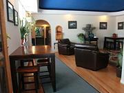 Tundra Inn - Guest lounge