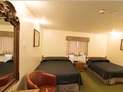 Tundra Inn - Bedroom