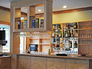 Knight Inlet Lodge - The bar