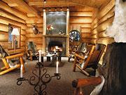Hôtel Sacacomie - Cozy log cabin style lobby